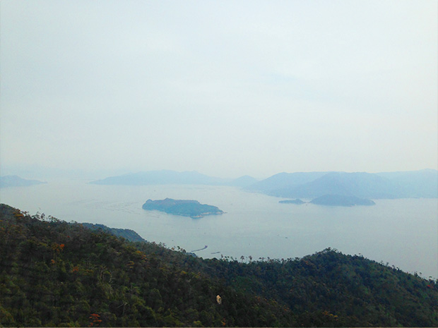 瀬戸内海を一望できる頂上